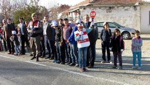 Öğrencilere Trafik Görevlisi belgesi