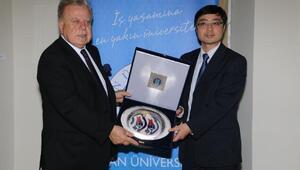 """Türkiye – Çin ilişkilerine akademiden kültürel destek: """"Çin'den Türkiye'ye Yeni İpek Yolu Sergisi"""""""