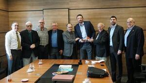 TÜBAD Yönetimi TBF Başkanı Hidayet Türkoğlunu ziyaret etti