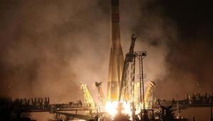 Rusyanın uzaya gönderdiği insansız kargo gemisi parçalanarak düştü