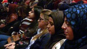 Üniversitelilere hipnoz seansı
