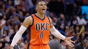 Westbrook NBA tarihine geçti Jordandan sonra...
