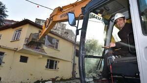Bursa'da 'Sular Vadisi'nin startı yıkımla verildi