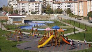 Döşemealtı Belediyesinden yeni parklar