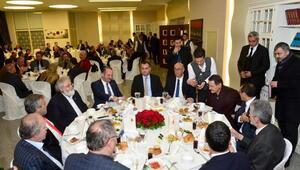 Başkan Gökçekten Meclis üyelerine yemek