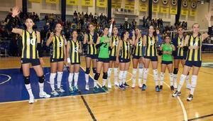 Fenerbahçe Kadın Voleybol Takımı Avrupa Ligine galibiyetle başladı