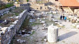 Öğrenciler Kral Mozolesi tanıdı