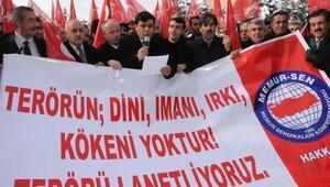 Hakkaride binlerce kişi terörü protesto etti