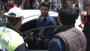 Adanada polisi alarma geçiren otomobil