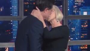 Helen Mirrendan şaşırtan öpücük