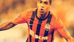 Alex Teixeira; gol makinesi orta saha oyuncusu