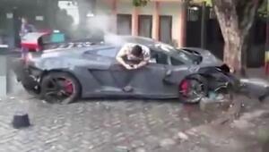 Lamborghini ile kaldırımdaki insanları ezdi