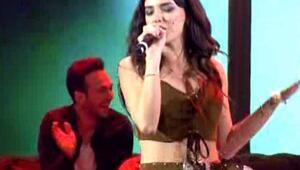 Seda Bakan şarkı söyledi stüdyo yıkıldı