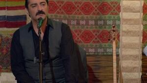 Sosyal medya dün gece Poyraz Karayeldeki bu sahneyi konuştu
