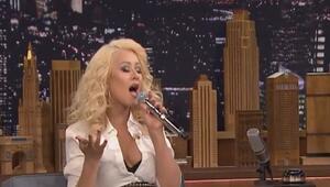 Christina Aguileradan müthiş taklitler