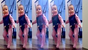 Yüzünüzü güldürecek bir video: Küçük bebek İrlanda dansı mı yapıyor