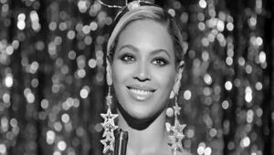 Beyonce, albümünün yıldönümünde herkesi şaşırttı