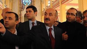 Mehmet Müezzinoğlu Edirnede tartışılan Sinagogu gezdi