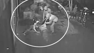 3 erkek yoldan geçen kadını dövüp öyle gasp etti