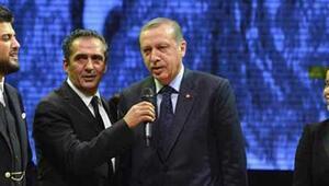 Cumhurbaşkanı Erdoğan Uzun İnce Bir Yoldayım türküsünü söyledi