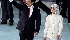 Ahmet Davutoğlu kongre salonuna böyle geldi