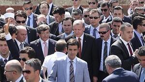 Ahmet Davutoğlu ve Erdoğana koruma ordusu