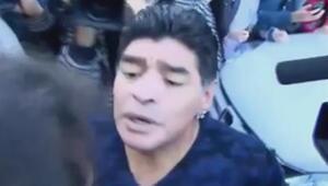 Maradona eski sevgilisine göz kırpan gazeteciyi tokatladı