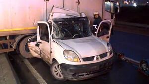 İstanbulda yollar buz tuttu Çok sayıda kaza meydana geldi