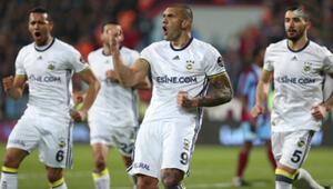 Fenerbahçe Trabzon'da bir kez daha kazandı