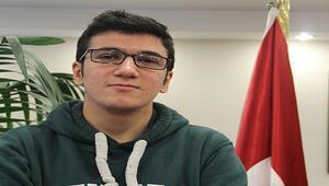 Uluslararası münazara yarışması finalinde tek Türk jüri üyesi