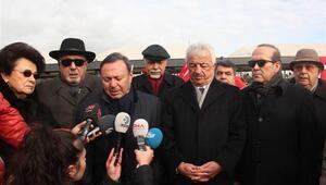 Emekli Büyükelçiler Şehitler Tepesi'ni ziyaret etti