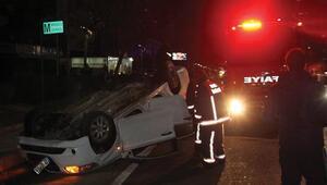 Makas sonrası gelen kazada yaralı arkadaşını otomobilde bırakarak kaçtı