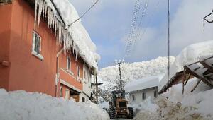 Bursa'da kardan kapanan 132 mahalle yolu ulaşıma açıldı