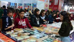 Yılın ilk kitap fuarı Adanada açılıyor