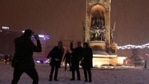İstanbulda kar yağışı gece de etkili oldu