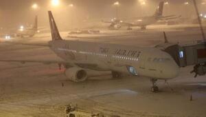 Adıyamandan kalkan uçaklar Şanlıurfa Havalimanına indi