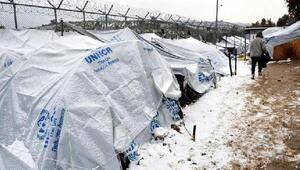 Midillideki kampta sığınmacıların soğukla mücadelesi