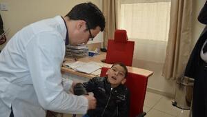 Minik Ali İhsan yürüyebilecek, ancak babasının yaptığı aletler sakıncalı