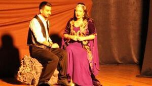 Ferhad ile Şirin Selçukta sahnelendi