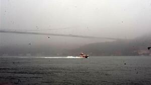 İstanbul Boğazında deniz trafiğine sis engeli