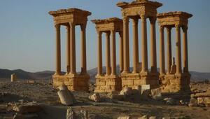DEAŞ Palmirada bir yapıyı daha yok etti