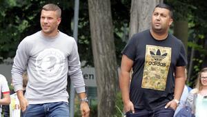 Podolski Burak Yılmaz transferini tiye aldı