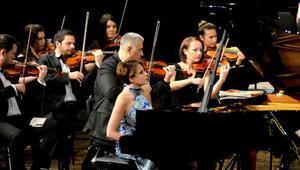Rüya Taner, piyanosuyla büyüledi