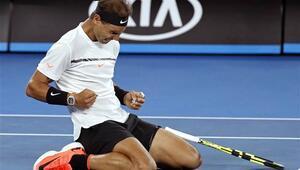 Nadal Şanghayda finalde