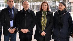 Baydemir: Sandıkla ulaşamadıkları belediyelere mahkeme ile el koyuyorlar