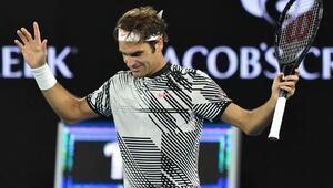 Federer, Wawrinkayı devirdi, Avustralya Açıkta finalde...