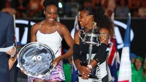 Serena Williams rekorlara doymuyor