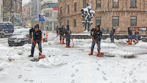 Giresun'da kar mücadelesi devam ediyor
