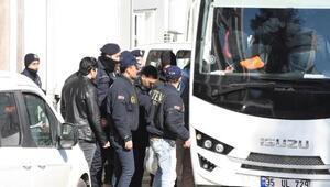 İzmirdeki Reina operasyonunda yakalanan 10 kişi adliyeye sevk edildi