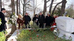 Abdi İpekçi, ölümünün 38. yılında mezarı başında anıldı